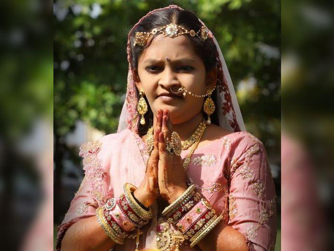 બિલ્ડર-ડાયમંડના વેપારીની 17 વર્ષીય દીકરી રેન્સી 15મીએ દીક્ષા ગ્રહણ કરશે|સુરત,Surat - Divya Bhaskar