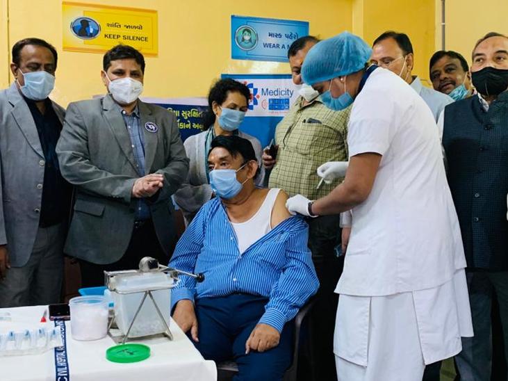 ડોક્ટર કેતન દેસાઈ વર્લ્ડ મેડિકલ એસોસિયેશનના ભૂતપૂર્વ પ્રમુખ અને મેડિકલ કાઉન્સિલ ઓફ ઈન્ડિયાના ભૂતપૂર્વ ચેરમેન રહી ચૂક્યા છે