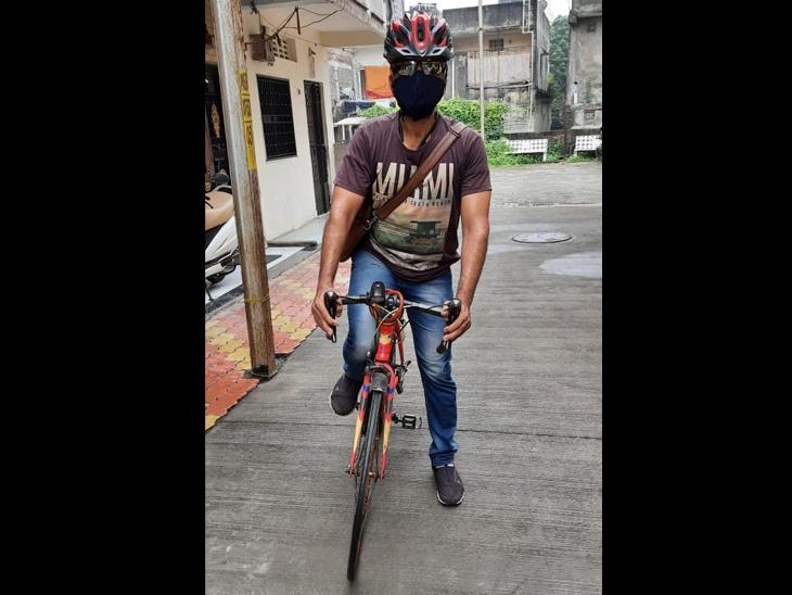 IPLકેમ્પેઈનથી માહિતગાર થઈ વેપારીએ રોજ સાયકલ લઈને જ દરેક જગ્યાએ જવાનું શરૂ કર્યું|સુરત,Surat - Divya Bhaskar