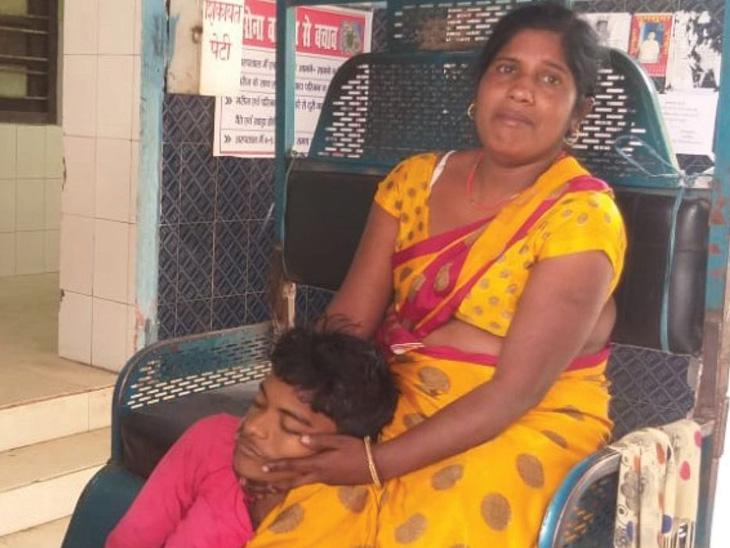 બિહારમાં તાવ સાથે પરીક્ષા આપનાર ધો. 10ના વિદ્યાર્થીનું તબિયત લથડતા મોતઃ જેના માટે જીવ આપ્યો એ પરીક્ષા પેપર લીક થતા કેન્સલ થઈ|ઈન્ડિયા,National - Divya Bhaskar