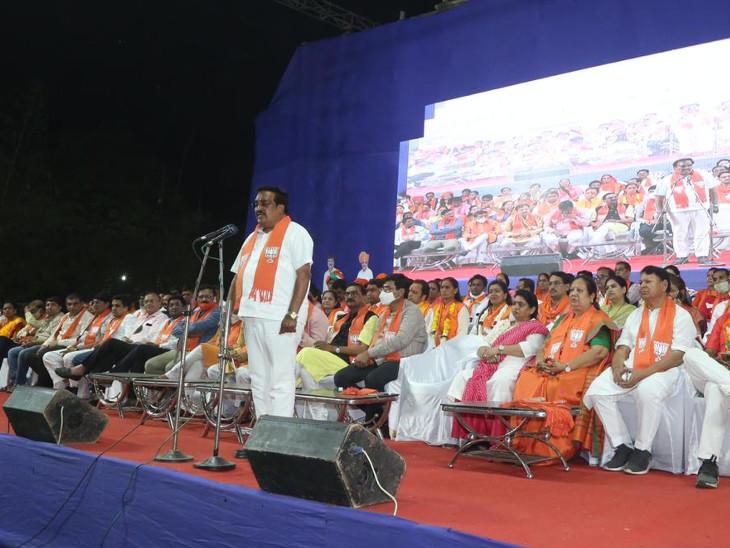 સુરત પાલિકામાં ભવ્ય જીત છતાં AAPની એન્ટ્રીથી ભાજપ-પ્રમુખ પાટીલ નારાજ, વેદના સાથે 'કોંગ્રેસ'ને કૂતરું અને 'આપ'ને બિલાડું કહ્યું સુરત,Surat - Divya Bhaskar