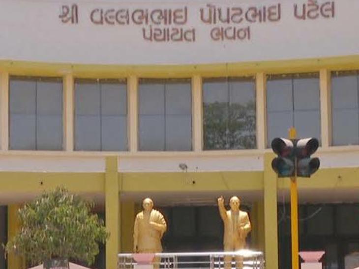 રાજકોટ જિલ્લા પંચાયત કબજે કરવા ભાજપ-કોંગ્રેસની મથામણ, રાજકોટ મનપા ચૂંટણી પૂરી થતાં જિ.પં.ની ચૂંટણીની તૈયારી પુરજોશમાં|રાજકોટ,Rajkot - Divya Bhaskar