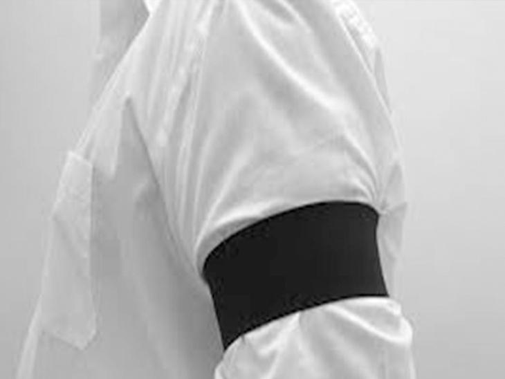 બીઓબીના કર્મચારીઓએ કાળી પટ્ટી પહેરી વિરોધ કર્યો ગોંડલ,Gondal - Divya Bhaskar