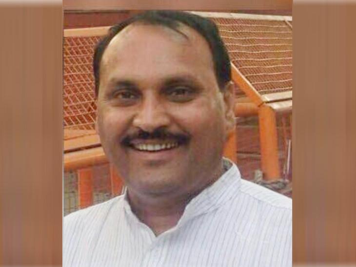 જિલ્લા-તાલુકા પંચાયતની ચૂંટણી પહેલા રાજકોટ જિલ્લા કોંગ્રેસમાં વધુ એક ગાબડું, કોંગ્રેસના પ્રદેશ મંત્રી મનોજભાઈ રાઠોડેએ કોંગ્રેસમાંથી રાજીનામુ આપ્યું, ભાજપમાં જોડાય તેવી પુરેપુરી શક્યતા રાજકોટ,Rajkot - Divya Bhaskar