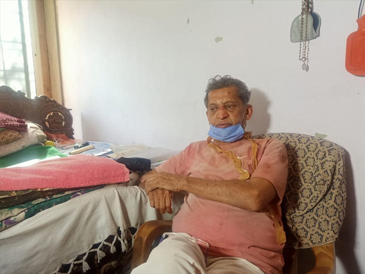 બહેરામપુરમાં એકલા રહેતા એનઆરઆઇ સિનિયર સીટીઝનના મોઢા પર ટેપ અને આંખમાં મરચું નાખીને લૂંટ|અમદાવાદ,Ahmedabad - Divya Bhaskar