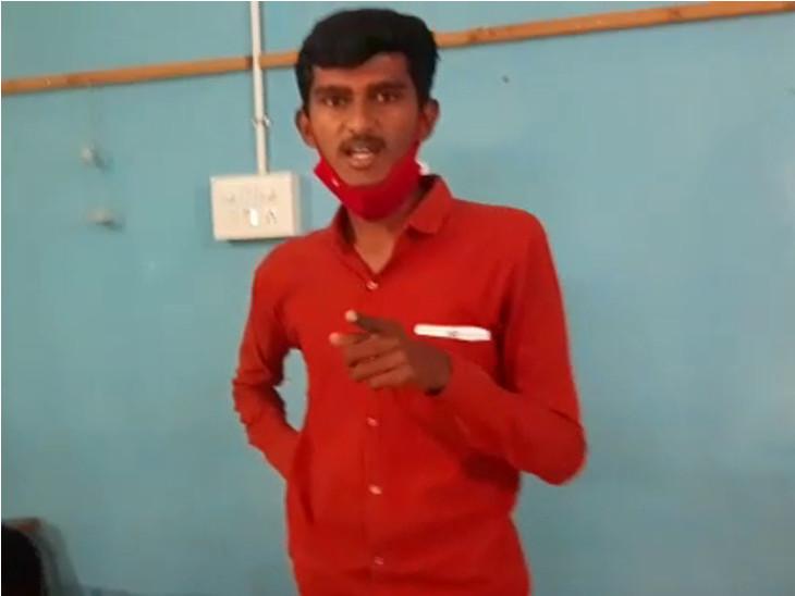 રાજકોટના કાંગશીયાળી ખાતે ભાજપના 10 લોકોએ બુથ કેપ્ચર કરી બોગસ મતદાન કરાવ્યુ|રાજકોટ,Rajkot - Divya Bhaskar