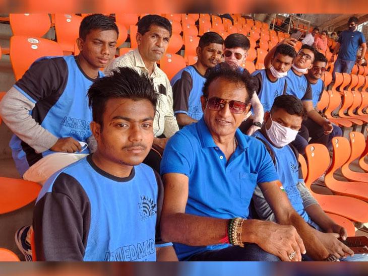 કોચ અને 11 પ્રજ્ઞાચક્ષુ ક્રિકેટરોએ સ્ટેડિયમમાં મેચની મજા માણી