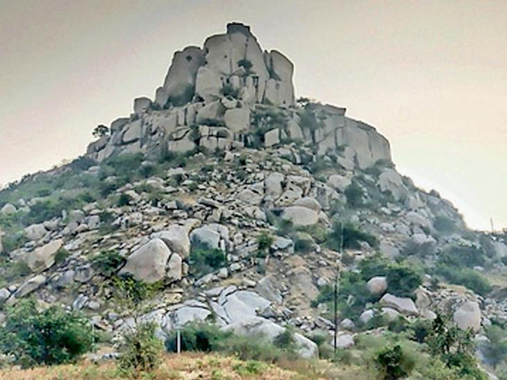 ઇડરીયા ગઢને પ્રવાસન સ્થળ તરીકે વિકસાવવા બજેટમાં જોગવાઇ ન થઈ હિંમતનગર,Himatnagar - Divya Bhaskar