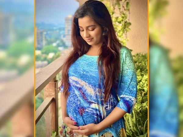 લગ્નના 6 વર્ષ બાદ શ્રેયા ઘોષાલ પ્રેગ્નન્ટ, સો.મીડિયામાં બેબી બમ્પની તસવીર શૅર કરીને બાળકના નામની જાહેરાત કરી|બોલિવૂડ,Bollywood - Divya Bhaskar