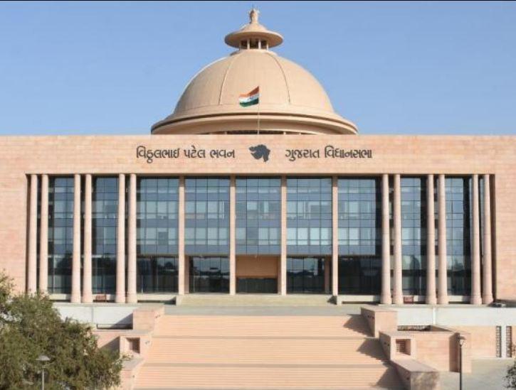રાજ્ય સરકારે સ્વીકાર્યું ગુજરાતમાં 4.12 લાખ લોકો બેરોજગાર, 2 વર્ષમાં માત્ર 1777 યુવાઓને સરકારી નોકરી મળી ગાંધીનગર,Gandhinagar - Divya Bhaskar