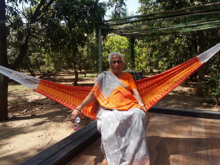 ભરૂચમાં સેવા માટે અનેક સંસ્થાઓનો પાયો નાખનારાં પુષ્પાબેન પટેલ; જીવનનાં 99 વર્ષ બાદ પણ સેવા માટે રહે છે તત્પર|ભરૂચ,Bharuch - Divya Bhaskar