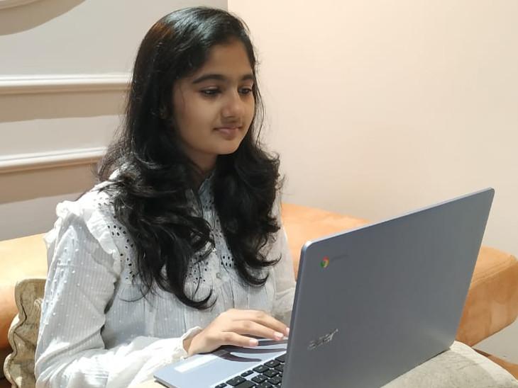 સુરતમાં ધોરણ 10માં અભ્યાસ કરતી વિદ્યાર્થિનીએ પ્રોજેક્ટના ભાગ રૂપે બનાવ્યા મેન્ટલ અવેરનેસ પેઈન્ટિંગ, વેચાણથી મળેલી રકમ આદિવાસી વિદ્યાર્થીઓ માટે દાન કરી સુરત,Surat - Divya Bhaskar