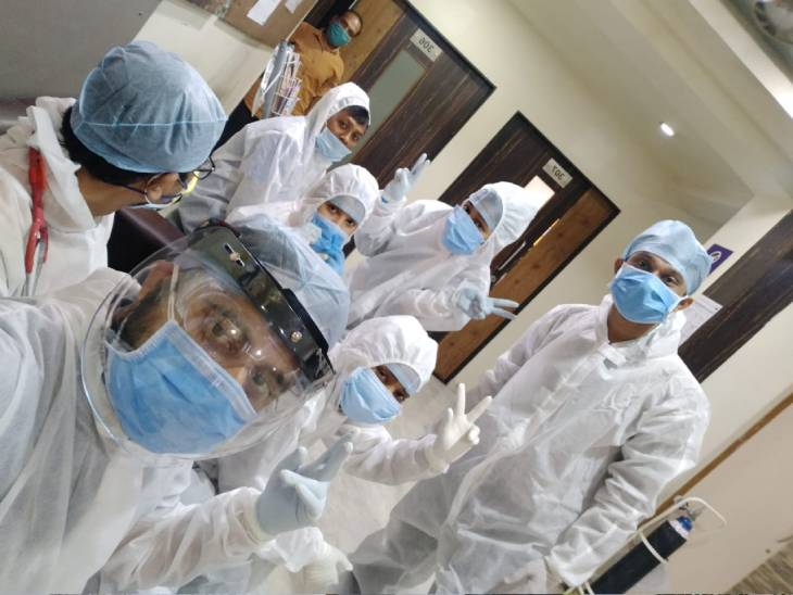 20થી વધુ દર્દીઓએ કેશલેસ સુવિધાની મદદથી કોરોનાની સારવારનો લાભ મેળવ્યો - Divya Bhaskar