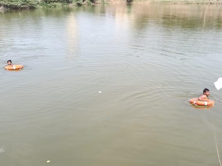 માણસાના તળાવમાં ન્હાવા પડેલાં ધમેડા ગામના યુવકનું મોત થયું હતું. - Divya Bhaskar