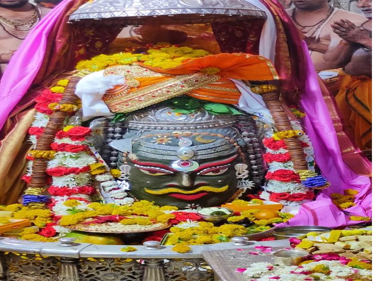 નાના કુંભનાથ મહાદેવમાં ભગવાનના મખારવિંદનું - શિવલીંગ  સન્મુખ પૂજન કરાયું - Divya Bhaskar