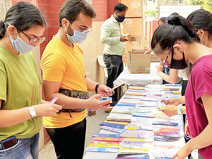 પુસ્તક મેળામાં 2 લાખ પુસ્તકોને 4 દિવસમાં મળ્યા 2 હજાર મુલાકાતી અમદાવાદ,Ahmedabad - Divya Bhaskar