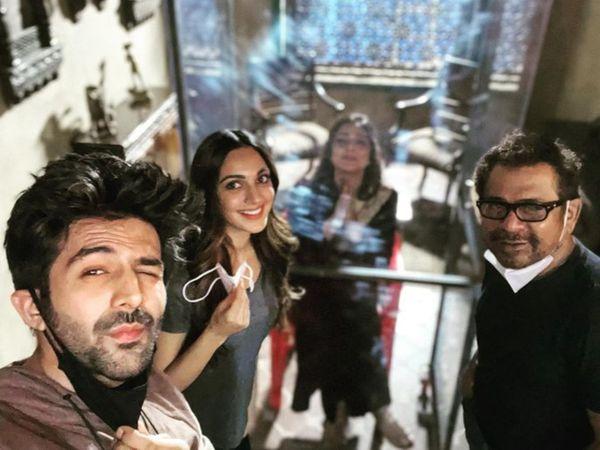 'ભૂલ ભુલૈયા 2'ના સેટ પર તબ્બુને Z પ્લસ કોરોના કવચ મળ્યું, બાયો બબલમાં રહે છે|બોલિવૂડ,Bollywood - Divya Bhaskar