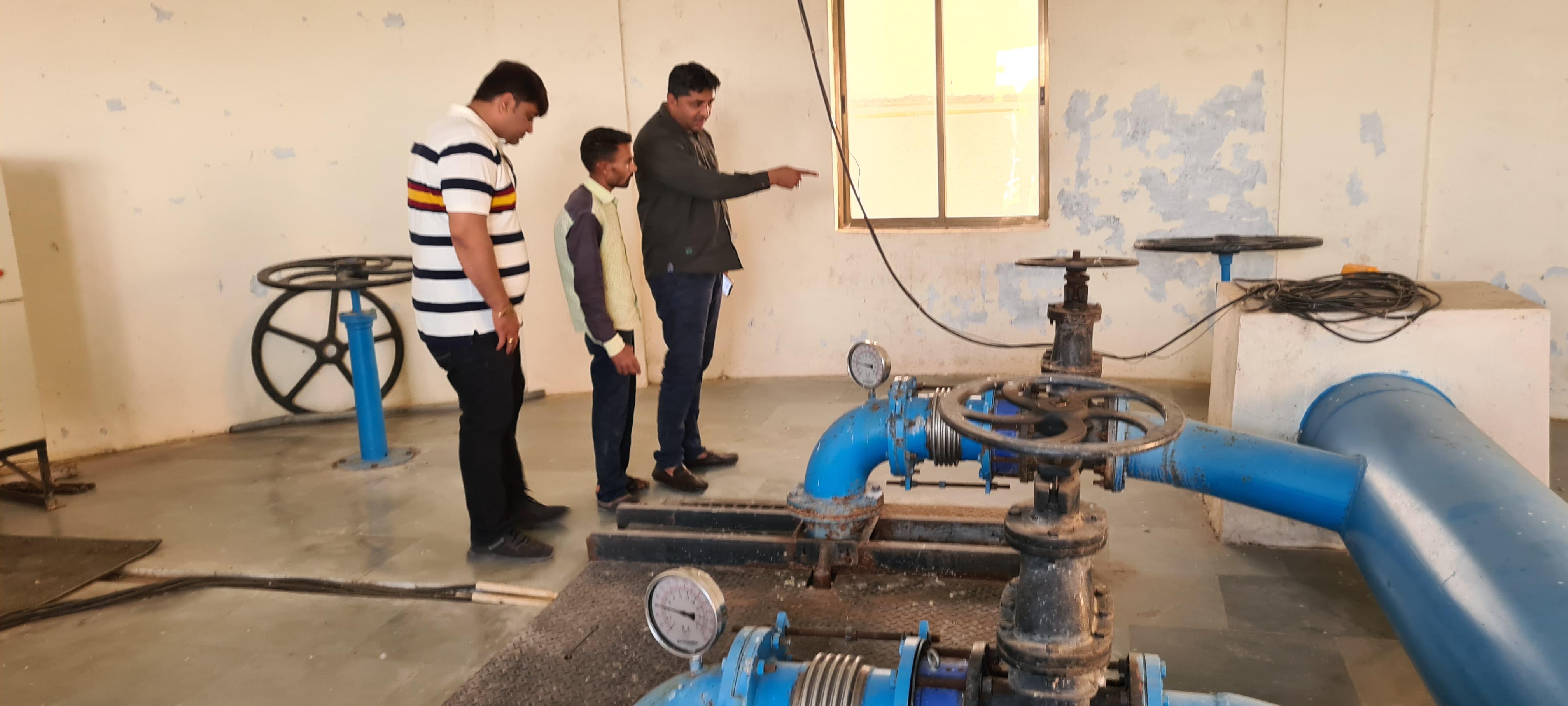 શહેરના પાણી પુરું પાડતા સસોઈ ડેમનું પાણી દૂષિત થતા વિપક્ષી સભ્યોએ પાણીનો ઉપયોગ બંધ કરાવ્યો|જામનગર,Jamnagar - Divya Bhaskar