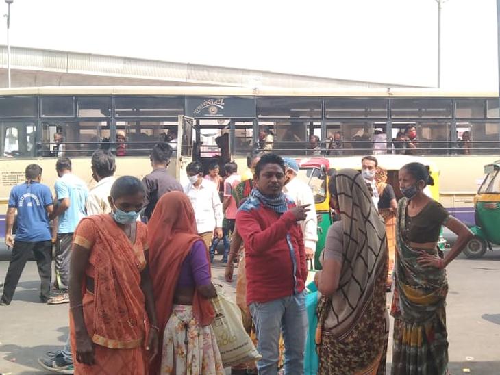 અમદાવાદમાં AMTS અને BRTS એકાએક બંધ કરી દેવાના નિર્ણયની આકરી ટીકા, લોકોએ કહ્યું, 300 કમાનારાના 200 ભાડામાં ગયા!|અમદાવાદ,Ahmedabad - Divya Bhaskar