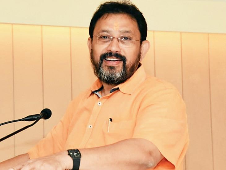 અમદાવાદ સિવિલ હોસ્પિટલના ડૉ. કમલેશ ઉપાધ્યાયે કહ્યું- ગુજરાતમાં વુહાન સ્ટ્રેન એક્ટિવ થતાં કેસ વધ્યા છે અમદાવાદ,Ahmedabad - Divya Bhaskar