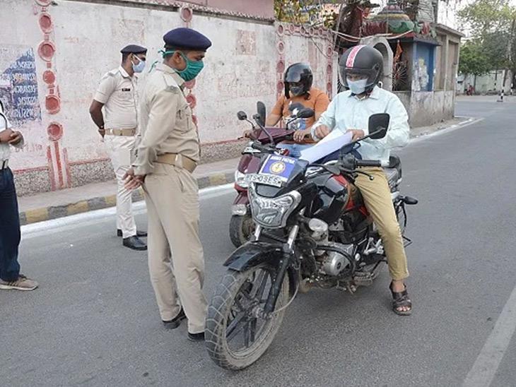 માસ્ક નહીં પહેરવા બદલ અમદાવાદ શહેરમાં એક વર્ષમાં 4.84 લાખ લોકોએ 36 કરોડનો દંડ ચૂકવ્યો|અમદાવાદ,Ahmedabad - Divya Bhaskar