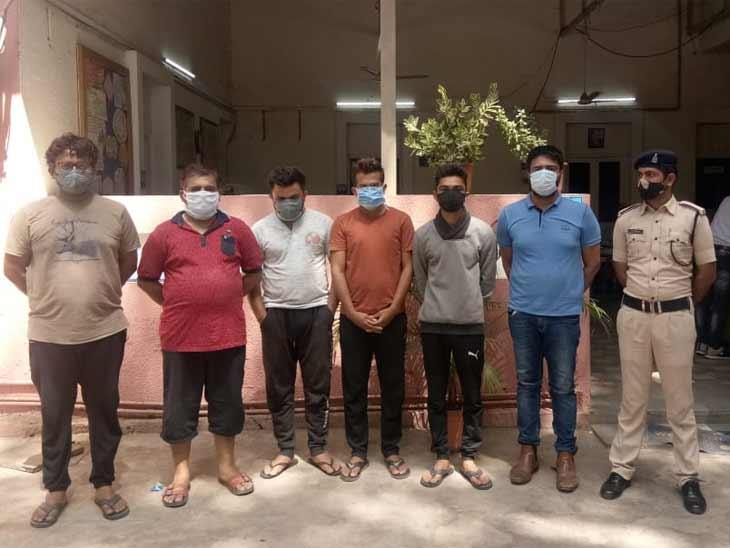 શેર ટ્રેડિંગમાં રોજ 35 હજારનો નફો થશે તેવી લાલચ આપી છેતરપિંડી કરતી અમદાવાદની ગેંગને સાયબર ક્રાઈમે ઝડપી|અમદાવાદ,Ahmedabad - Divya Bhaskar