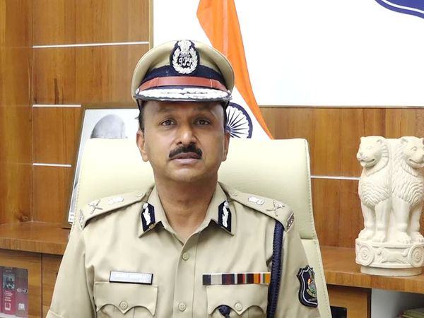 રાજકોટમાં હોળી-ધૂળેટી પર્વ પર પોલીસની કવાયત, 600 પોલીસ જવાનો શહેરમાં સતત કરશે પેટ્રોલિંગ, ડ્રોન કેમેરા મદદથી રખાશે બાજ નજર રાજકોટ,Rajkot - Divya Bhaskar