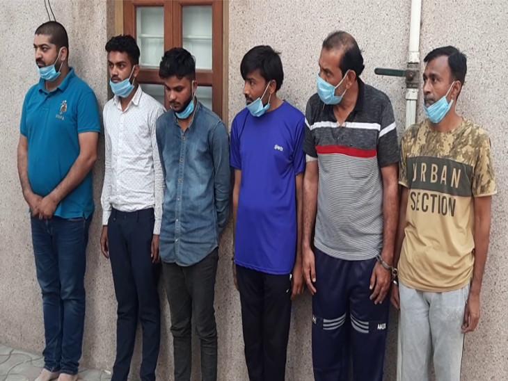 રાજકોટમાં રેલવેમાં નોકરીના નામે છેતરપિંડી કરતી ગેંગના કોર્ટે 10 દિવસના રિમાન્ડ મંજુર કર્યા, લખનઉનાં બોગસ તાલીમ કેન્દ્ર પર પર રાજકોટ પોલીસના દરોડા|રાજકોટ,Rajkot - Divya Bhaskar