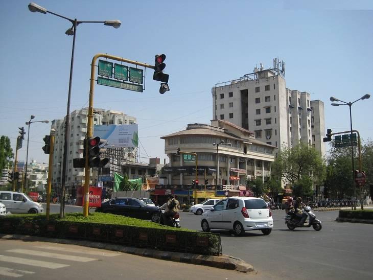 રાજ્યમાં છેલ્લા બે વર્ષમાં 72.60 લાખ ઈ મેમો અપાયા, 70.08 કરોડનો દંડ વસૂલાયો, 270 કરોડની વસૂલાત બાકી|ગાંધીનગર,Gandhinagar - Divya Bhaskar