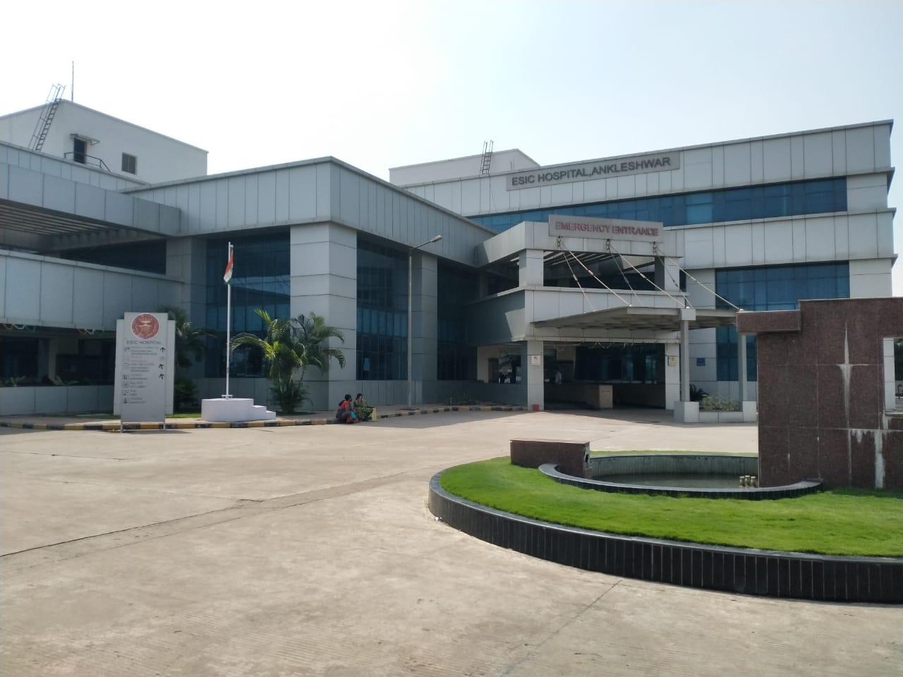 ભરૂચ જિલ્લામાં કોરોનાનું સંક્રમણ વધતા તંત્ર એક્શનમાં, અંકલેશ્વરની ઈએસઆઈસી હોસ્પિટલને કોવિડ હોસ્પિટલ જાહેર કરાઇ ભરૂચ,Bharuch - Divya Bhaskar
