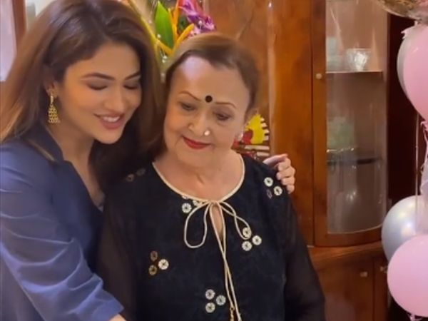 'બહૂ હમારી રજનીકાંત' ફૅમ રિદ્ધિમા પંડિતની માતાનું અવસાન, અંતિમ સમયે પરિવારના સભ્યો મળી પણ ના શક્યા|બોલિવૂડ,Bollywood - Divya Bhaskar