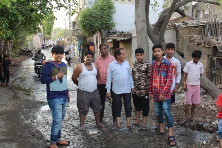 ઈન્દિરાનગર વિસ્તારમાં પાણીની મુખ્ય લાઈનમાં ભંગાણ થતા લાખો લીટર પાણી વેડફાયું ભાવનગર,Bhavnagar - Divya Bhaskar