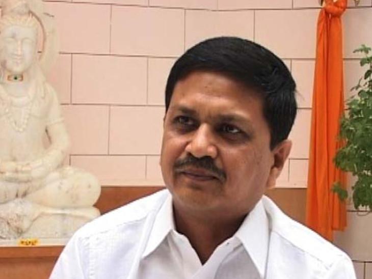 ખોડલધામના નરેશ પટેલ અને તેમના પત્ની કોરોના સંક્રમિત, રાજકોટમાં બપોર સુધીમાં 203 કેસ, 24 કલાકમાં 32ના મોત|રાજકોટ,Rajkot - Divya Bhaskar