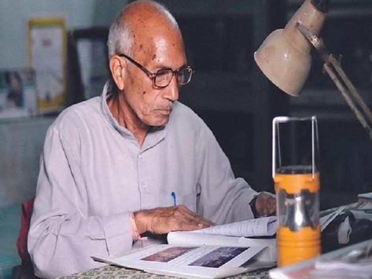 વિનોબા ભાવે પાસેથી 5 રૂપિયા લઈને બસ્તર આવ્યા હતા, શાંતિ સ્થાપિત કરવા 37 આશ્રમોમાં આદિવાસીઓને શિક્ષણ આપે છે ઈન્ડિયા,National - Divya Bhaskar