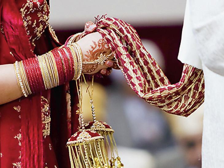 શહેરમાં એપ્રિલના અંત સુધીમાં થનારા 500માંથી 100 લગ્ન રાત્રિ કર્ફ્યૂને કારણે ડિસેમ્બર સુધી મોકૂફ|અમદાવાદ,Ahmedabad - Divya Bhaskar