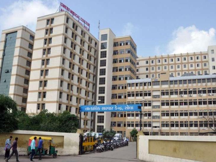 સોલા સિવિલ હોસ્પિટલમાં કરાવેલો ટેસ્ટ નેગેટિવ જ્યારે ખાનગી લેબમાં રિપોર્ટ પોઝિટિવ આવ્યો|અમદાવાદ,Ahmedabad - Divya Bhaskar