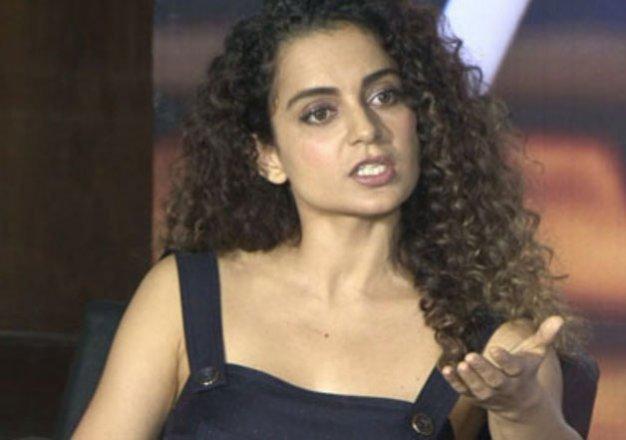કંગના રનૌતે કહ્યું, 'ત્રીજા બાળકના જન્મ પર પેરેન્ટ્સને જેલ કે દંડ થવો જોઈએ', યુઝર્સે કહ્યું-તું કેમ ભૂલી ગઈ? તમે પણ ત્રણ ભાઈ-બહેન છો|બોલિવૂડ,Bollywood - Divya Bhaskar