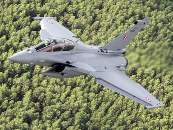 8 હજાર કિમીનો નોન-સ્ટોપ પ્રવાસ કરીને 4 રાફેલ જેટનું ભારતમાં આગમન; IAF ચીફે ફ્રાન્સથી ગ્રીન સિગ્નલ આપ્યું હતું|ઈન્ડિયા,National - Divya Bhaskar