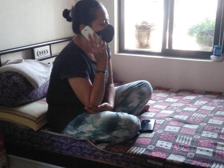 માતા આઇસીયુમાં, પોતે પણ પોઝિટિવ છતાં અધ્યાપક દર્દીનું 24 કલાક કાઉન્સેલિંગ કરે છે|રાજકોટ,Rajkot - Divya Bhaskar