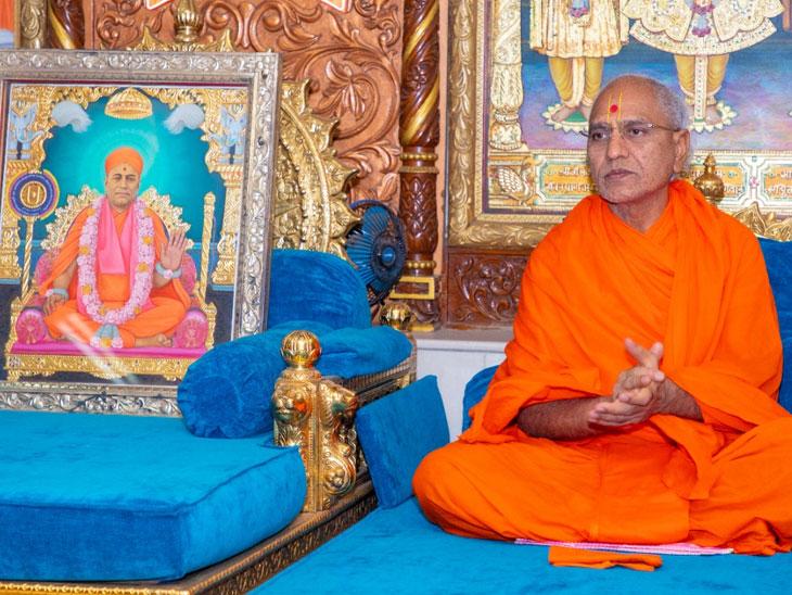 શ્રી સ્વામિનારાયણ મંદિર, મણિનગરમાં શ્રી સ્વામિનારાયણ ભગવાનની (૨૪૦) મી પ્રાગટ્ય જયંતી ઉજવાઇ|અમદાવાદ,Ahmedabad - Divya Bhaskar