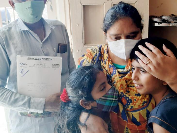 કચ્છના 38 વર્ષીય દીપલબેને કોરોના સાથે અસામાન્ય રોગ છતાં 25 દિવસના સંઘર્ષ પછી મોતને મ્હાત આપી|ભુજ (કચ્છ),Bhuj (Kutch) - Divya Bhaskar