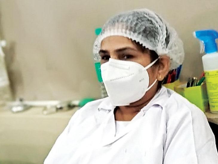 કોરાનામાં માતા, પિતા ગુમાવ્યા છતાં બીજા દિવસે જ નર્સ દર્દીઓની સેવામાં લાગી ગયા|પોરબંદર,Porbandar - Divya Bhaskar