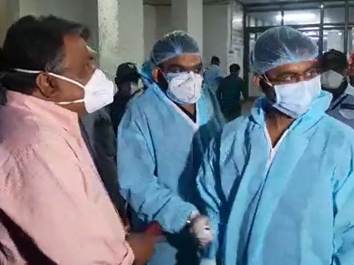 સયાજી હોસ્પિટલમાં 5 કલાક માટે ઓક્સિજનનો જથ્થો ખૂટી પડતા દર્દીઓના સગાઓએ હોબાળો મચાવ્યો હતો