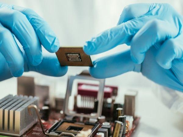 પેન્ટાગોનના વૈજ્ઞાનિકોએ માઈક્રોચિપ બનાવી, જેને શરીરમાં દાખલ કરવામાં આવશે, તે વાઈરસને ઓળખશે, બાદમાં લોહીમાંથી ફિલ્ટર કરીને તેને દૂર કરશે|હેલ્થ,Health - Divya Bhaskar