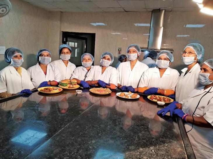 23 બહેનો ફિશમાંથી અલગ અલગ વાનગી બનાવી પિરસે છે - Divya Bhaskar