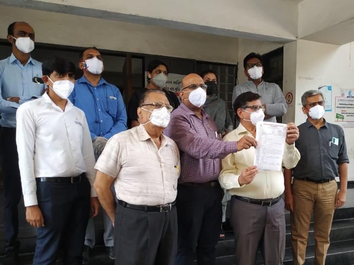 સુરતની ખાનગી હોસ્પિટલમાં 12 કલાક ચાલે તેટલો જ ઓક્સિજન, ઈન્ડિયન મેડીકલ એસો.દ્વારા કલેકટરને રજૂઆત કરાઈ|સુરત,Surat - Divya Bhaskar