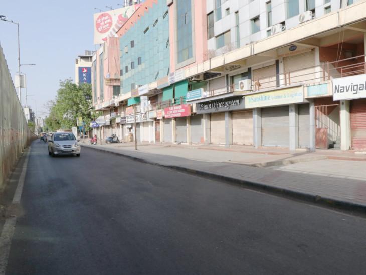 શનિ-રવિવારે માર્કેટ, દુકાનો બંધ રહ્યા બાદ આજથી ફરી ધમધમશે; રસ્તા સૂમસામ રહેતા કર્ફ્યૂ જેવો માહોલ સર્જાયો અમદાવાદ,Ahmedabad - Divya Bhaskar