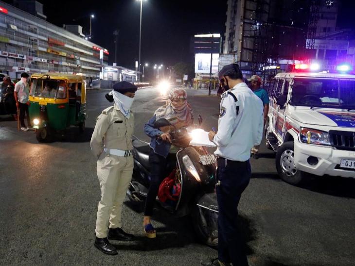 ઈમર્જન્સી સેવા સાથે સંકળાયેલા લોકો સ્થાનિક પોલીસ સ્ટેશનમાં નોંધણી કરી પાસ લઈ શકાશે; સ્ટિકરવાળા વાહનને પોલીસ રોકશે નહીં અમદાવાદ,Ahmedabad - Divya Bhaskar