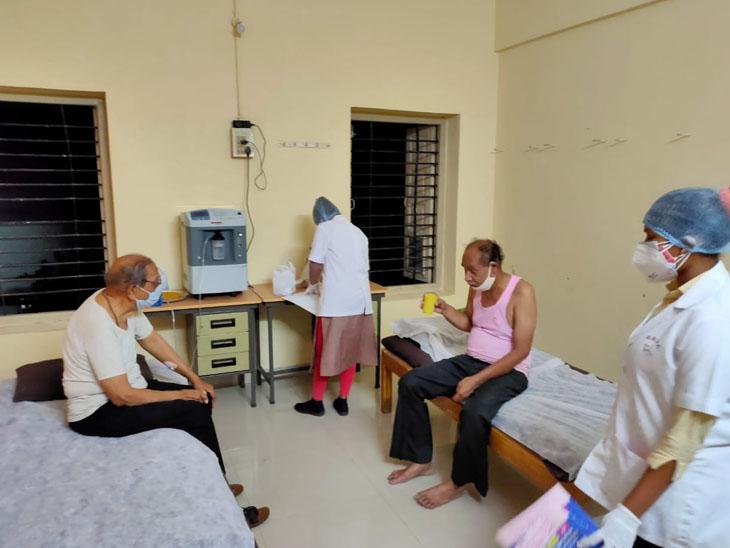 નર્સિંગ કોલેજની 36 દીકરીઓ રાખી રહી છે કોવિડ દર્દીની 24 કલાક સાર સંભાળ બારડોલી,Bardoli - Divya Bhaskar