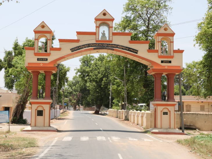 કોરોનાની બીજી લહેર વચ્ચે વડોદરાના દુધવાડામાં કોરોનાનો એકપણ કેસ નહીં, સરપંચ-કોરોના વોરિયર્સ ટીમે કોરોનાને ગામમાં પ્રવેશવા દીધો નથી|વડોદરા,Vadodara - Divya Bhaskar